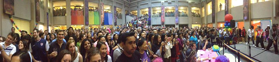 Students crowd into the atrium for Drag TG