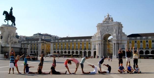 "A Kellogg spell-out in Portugal. Hanna is in the first ""L."""
